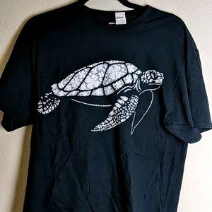 Sea Turtle tee NWOT